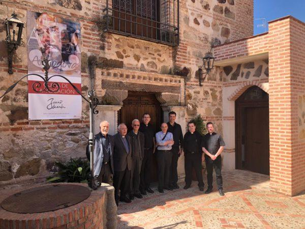 Los delegados, en la zona norte de la Casa Natal de San Juan de Ávila.