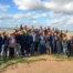 Seminaristas, tutores, voluntariado del año jubilar y familias de acogida, en lo alto del cerro de Santa Brígida